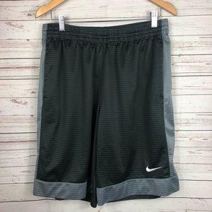 Nike Basketball Shorts Size Large